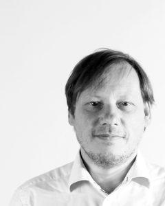 Portrait Günther Brandstetter, Herausgeber hochbetagt
